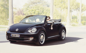 coccinelle cabriolet capote beige
